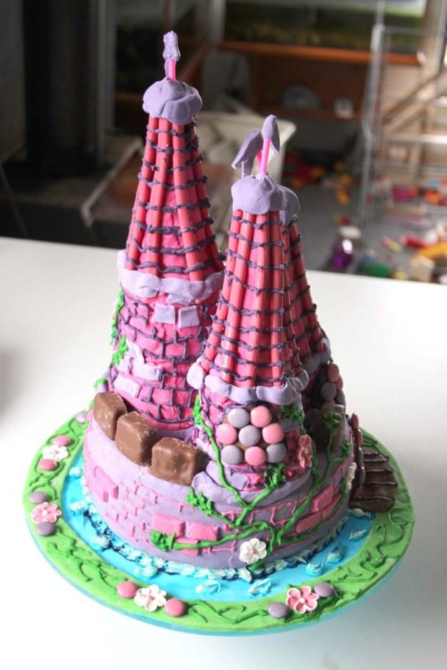 Castle Cake 4
